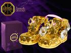 Kullattu koriste-esine kristalleilla KENGÄT MO-109848