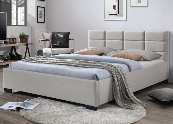 Sänky 180x200 cm