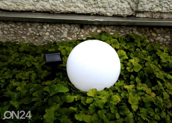 Puutarhavalaisin aurinkopaneelilla AA-89925